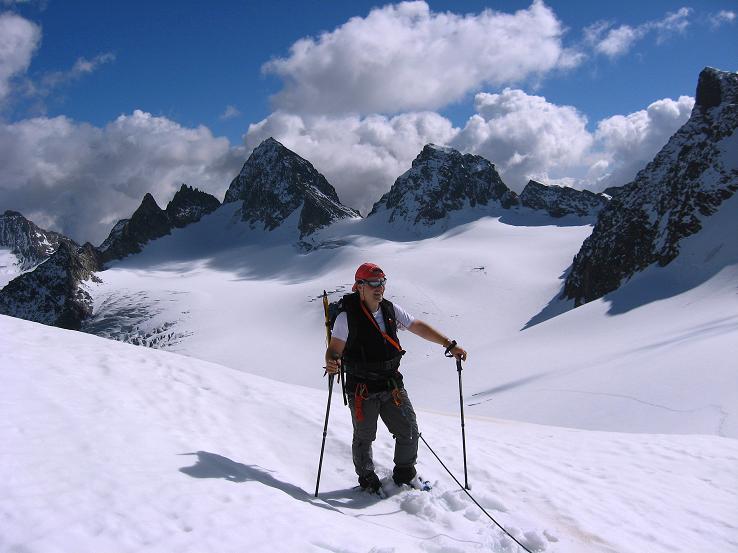 Foto: Andreas Koller / Wander Tour / Grattour vom Silvrettahorn zur Schneeglocke (3244 m) / In der Egghornlücke mit Blick zum Piz Buin (3312 m) / 12.10.2007 00:27:00