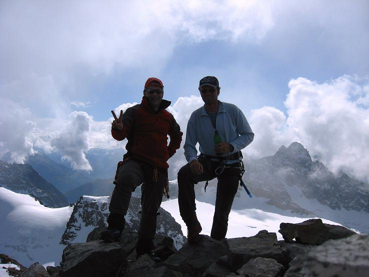 Foto: Andreas Koller / Wander Tour / Grattour vom Silvrettahorn zur Schneeglocke (3244 m) / Am Silvrettahorn mit Blick nach S zum Silvrettagletscher / 12.10.2007 00:23:54