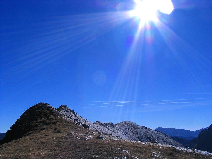 Foto: Andreas Koller / Wander Tour / Aus dem Schöttlgraben auf den Hohenwart (2363 m) / Der Grat im Gegenlicht / 17.10.2007 02:19:50
