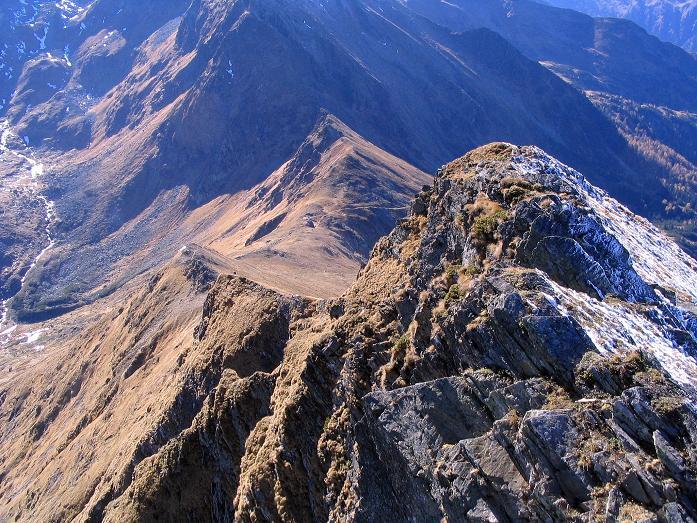 Foto: Andreas Koller / Wander Tour / Aus dem Schöttlgraben auf den Hohenwart (2363 m) / Tiefblick ins Glattjoch / 17.10.2007 02:18:58