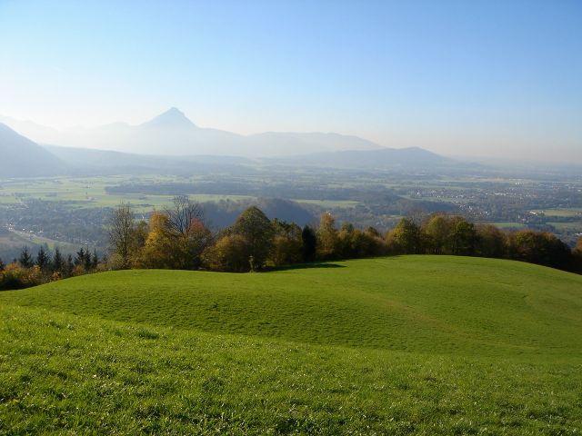 Foto: Manfred Karl / Wander Tour / Über den Hengstberg auf den Mühlstein / Blickrichtung Hochstaufen / 23.10.2007 19:15:37