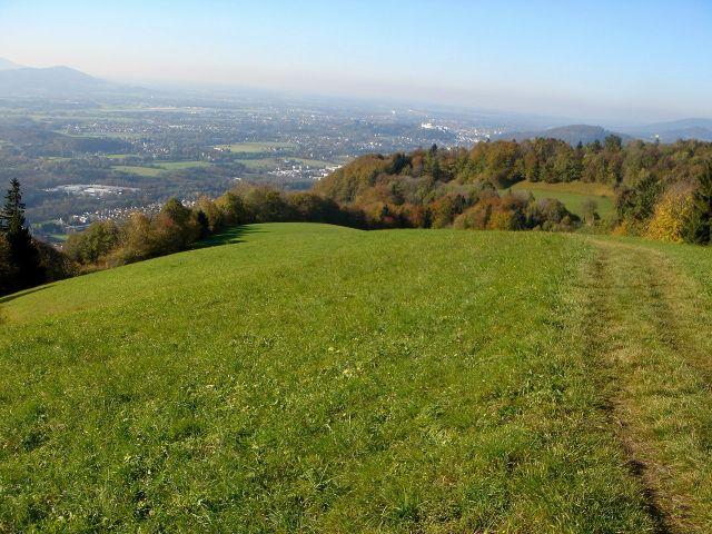 Foto: Manfred Karl / Wander Tour / Über den Hengstberg auf den Mühlstein / Blick zur Festung Hohensalzburg / 23.10.2007 19:14:40