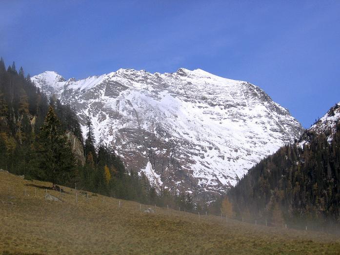 Foto: Andreas Koller / Wander Tour / Lanschitzseen und Hasenhöhe (2446 m) / Der Talschluss des Lessachtales / 30.10.2007 04:45:34