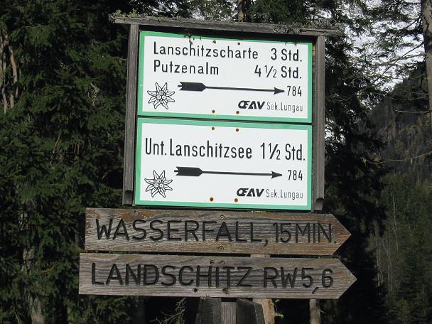 Foto: Andreas Koller / Wander Tour / Lanschitzseen und Hasenhöhe (2446 m) / Wegweiser im Lessachtal / 30.10.2007 04:44:57