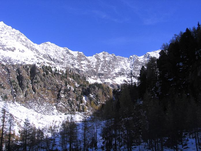 Foto: Andreas Koller / Wander Tour / Lanschitzseen und Hasenhöhe (2446 m) / Der Talkessel bei der Bacher Alm / 30.10.2007 04:43:01