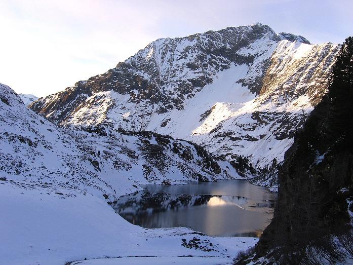 Foto: Andreas Koller / Wander Tour / Lanschitzseen und Hasenhöhe (2446 m) / Der Mittlere Lanschitzsee mit Schafkarspitze (2484 m) / 30.10.2007 04:30:27
