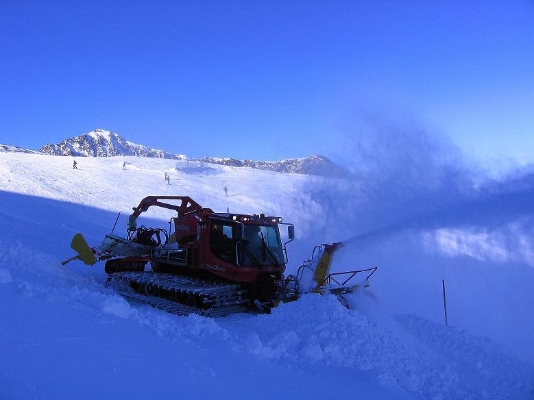 Foto: Andreas Koller / Ski Tour / Tuxer Eingehtour auf zwei Dreitausender (3288 m) / Skirummel am Tuxer Ferner / 03.11.2007 22:33:15