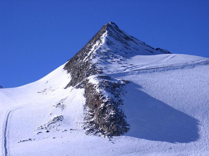 Foto: Andreas Koller / Ski Tour / Tuxer Eingehtour auf zwei Dreitausender (3288 m) / Der N-Grat der Großen Kaserer = Anstiegsroute / 03.11.2007 22:31:28