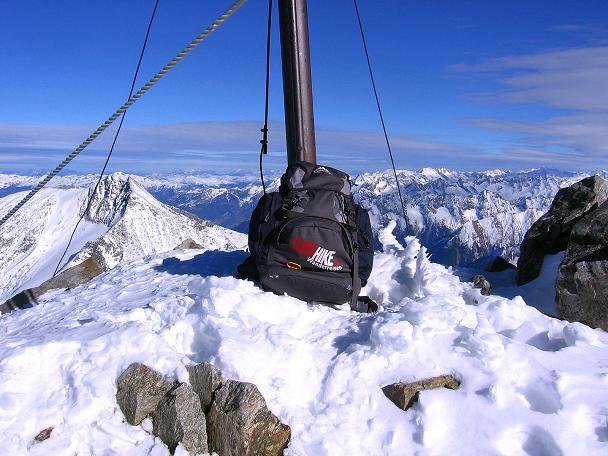 Foto: Andreas Koller / Ski Tour / Tuxer Eingehtour auf zwei Dreitausender (3288 m) / Von der Gefrorenen Wand Spitze Blick nach NO / 03.11.2007 22:29:04