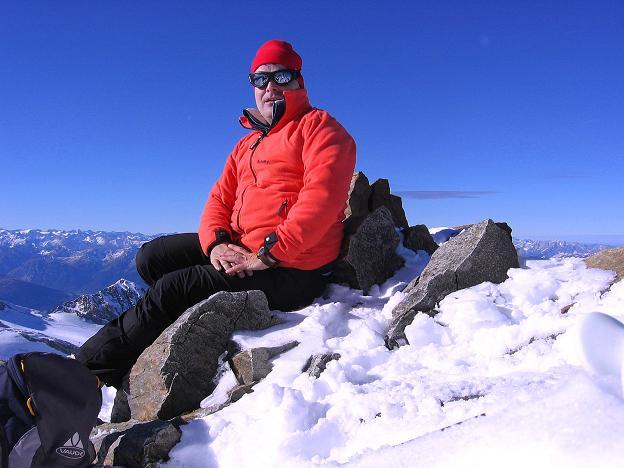 Foto: Andreas Koller / Ski Tour / Tuxer Eingehtour auf zwei Dreitausender (3288 m) / Gipfelrast auf der Gefrorenen Wand Spitze / 03.11.2007 22:26:44