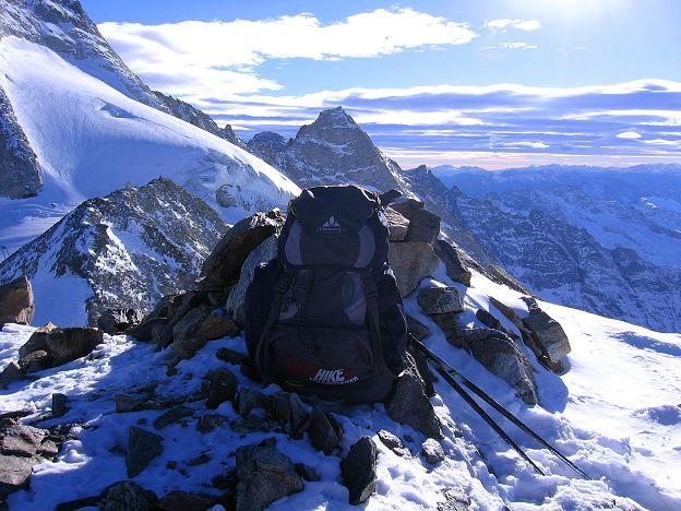 Foto: Andreas Koller / Ski Tour / Tuxer Eingehtour auf zwei Dreitausender (3288 m) / Blick nach S vom Großen Kaserer zum Fußstein (3380 m) / 03.11.2007 22:24:20