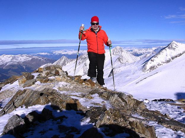 Foto: Andreas Koller / Ski Tour / Tuxer Eingehtour auf zwei Dreitausender (3288 m) / Die letzten Meter am Kaserer N-Grat / 03.11.2007 22:23:29