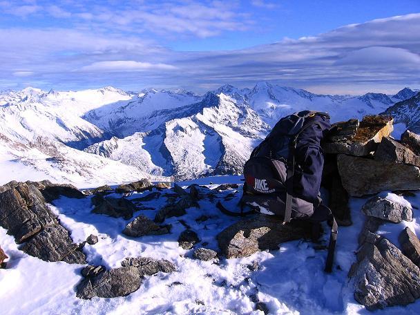 Foto: Andreas Koller / Ski Tour / Tuxer Eingehtour auf zwei Dreitausender (3288 m) / Blick vom Großen Kaserer nach O in das Gebiet um den Großen Möseler (3480 m) / 03.11.2007 22:21:54