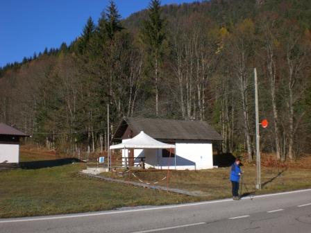 Foto: dobratsch11 / Wander Tour / Monte Nebria 1207m / In Valbruna beim Ausgangspunkt / 04.11.2007 20:50:36