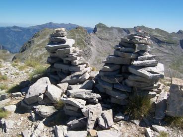 Foto: Datzberger Hans / Wander Tour / Astraka und Gamila im Timfi-Gebirge  / Gipfel Astraka (2438 m) und im Hintergrund der Gamila / 08.11.2007 17:32:38