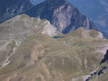 Foto: Datzberger Hans / Wander Tour / Astraka und Gamila im Timfi-Gebirge  / Blick zum wunderschön gelegenen Drachensee / 08.11.2007 17:34:17