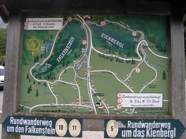 Foto: Benedik Herbert / Wander Tour / Falkenstein und Falkastoal - 2 Gipfel und 3 Seen / Karte vor dem GH Zwing / 10.11.2007 12:07:13