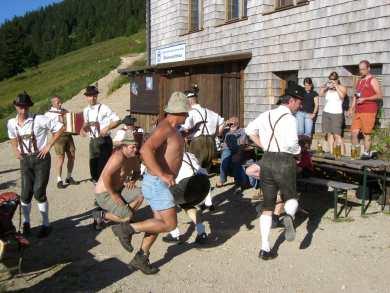 Foto: Ötschertrekker / Schneeschuh Tour / Mit Schneeschuhen auf den Ötscher / Plattlerfestl am Ötscherschutzhaus / 16.09.2008 16:18:07