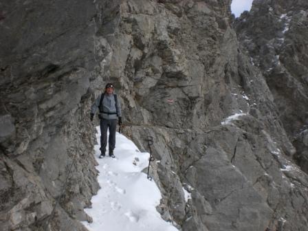 Foto: dobratsch11 / Wander Tour / Due Pizzi (Zweispitz) 2048m / das Band durch die Südwand / 10.12.2007 12:18:50