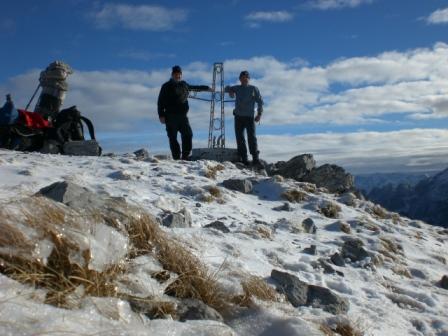 Foto: dobratsch11 / Wander Tour / Due Pizzi (Zweispitz) 2048m / am Gipfel / 10.12.2007 12:18:03