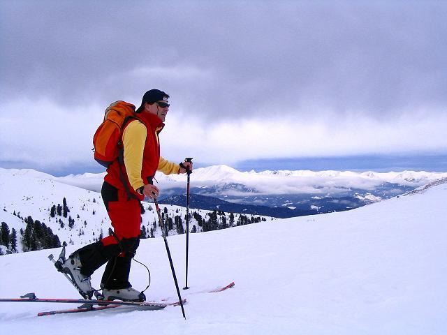 Foto: Andreas Koller / Ski Tour / Kreischberger Kammtour (2172m) / Nach dem Kirbisch mit Blick auf den Zirbitzkogel (2396 m) / 11.12.2007 03:16:05