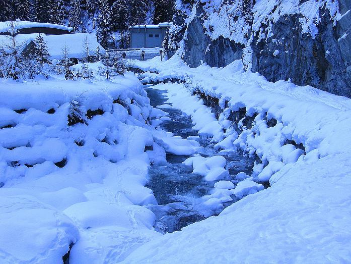 Foto: Andreas Koller / Ski Tour / Geheimtipp Zanderstal und Hinteres Kreuzjoch (2853m) / Ausgangspunkt Spissermühle an der Grenze Österreich - Schweiz / 18.12.2007 22:07:31