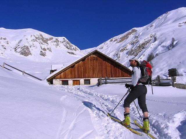 Foto: Andreas Koller / Ski Tour / Geheimtipp Zanderstal und Hinteres Kreuzjoch (2853m) / Kurz vor der Fließer Kuhalpe / 18.12.2007 22:05:39