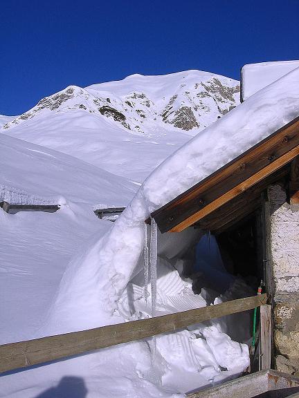 Foto: Andreas Koller / Ski Tour / Geheimtipp Zanderstal und Hinteres Kreuzjoch (2853m) / Die Fließer Kuhalpe  / 18.12.2007 22:05:24
