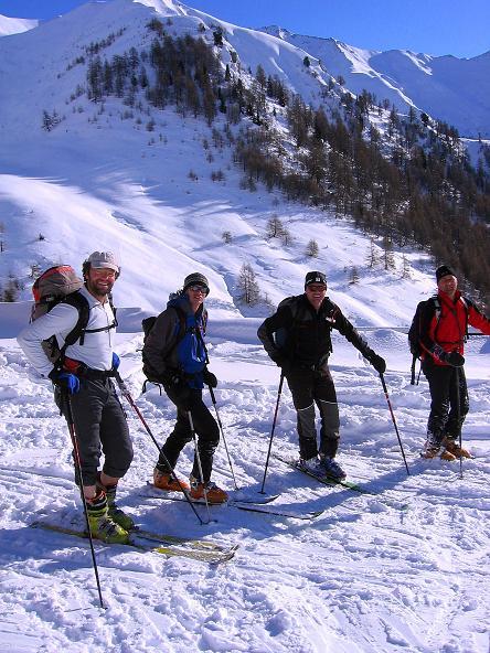 Foto: Andreas Koller / Ski Tour / Geheimtipp Zanderstal und Hinteres Kreuzjoch (2853m) / Oberinntaler Bergführertreffen auf der Fließer Kuhalpe (2003 m) / 18.12.2007 22:05:04