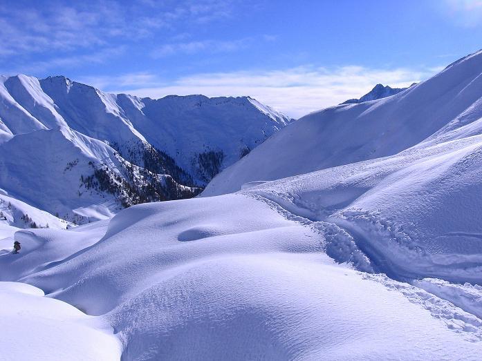 Foto: Andreas Koller / Ski Tour / Geheimtipp Zanderstal und Hinteres Kreuzjoch (2853m) / Das tief eingeschnittene Zanderstal / 18.12.2007 22:02:54