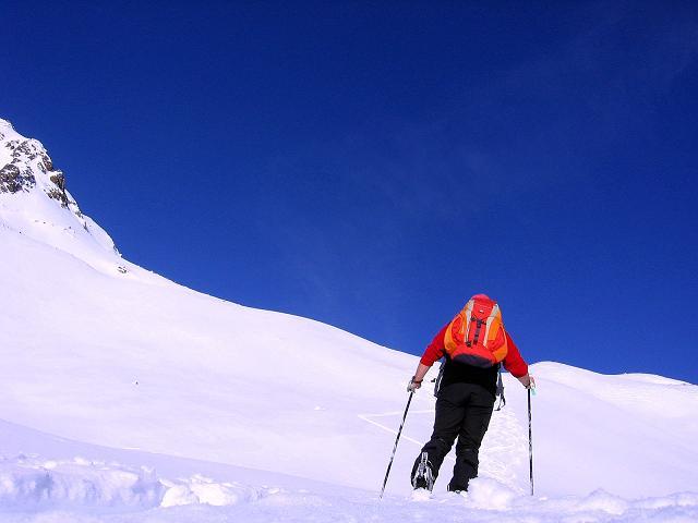 Foto: Andreas Koller / Ski Tour / Geheimtipp Zanderstal und Hinteres Kreuzjoch (2853m) / Über die weiten Flächen im obersten Zanderstal / 18.12.2007 21:57:48