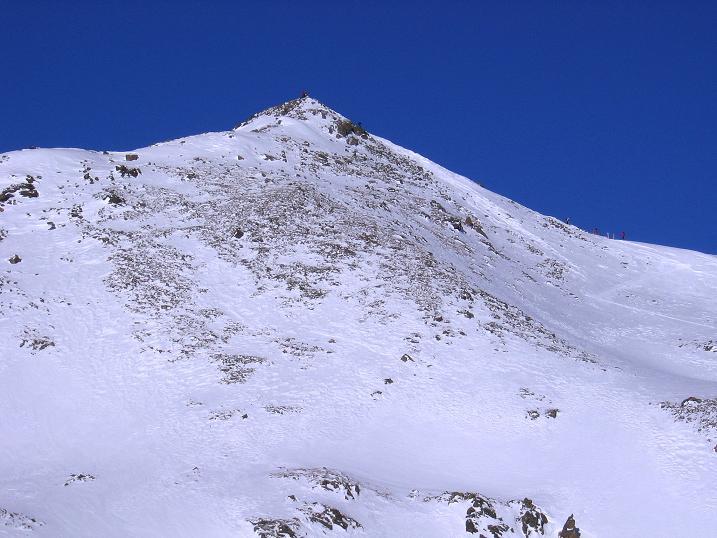 Foto: Andreas Koller / Ski Tour / Geheimtipp Zanderstal und Hinteres Kreuzjoch (2853m) / Das Hintere Kreuzjoch in voller Pracht (der Aufstieg erfolgt von rechts) / 18.12.2007 21:56:24