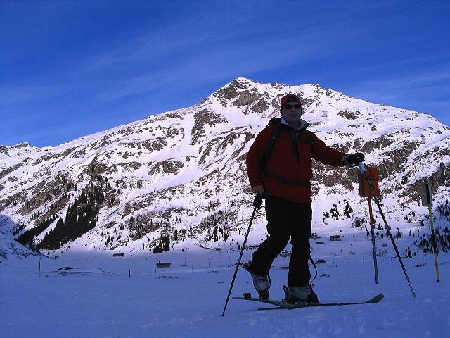 Foto: Andreas Koller / Ski Tour / Durch das Weißenbachtal auf den Kreuzkogel (2686m) / Start der Tour am Nassfeld bei Sportgastein / 24.12.2007 05:09:23