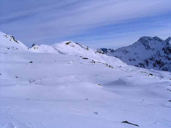 Foto: Andreas Koller / Ski Tour / Durch das Weißenbachtal auf den Kreuzkogel (2686m) / Die weiten Flächen unter dem Mallnitzriegel (2611 m) / 24.12.2007 05:05:09