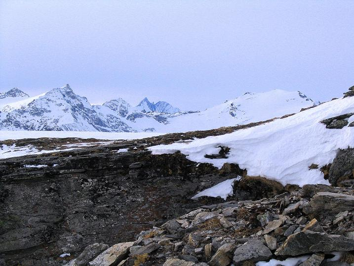 Foto: Andreas Koller / Ski Tour / Durch das Weißenbachtal auf den Kreuzkogel (2686m) / Blick zum Großglockner (3798 m) / 24.12.2007 05:04:14