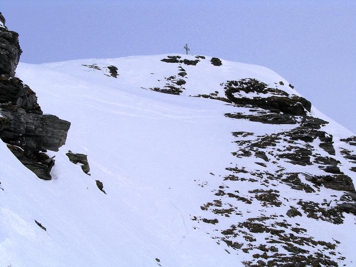 Foto: Andreas Koller / Ski Tour / Durch das Weißenbachtal auf den Kreuzkogel (2686m) / Kurz unterhalb des Gipfels / 24.12.2007 05:03:54