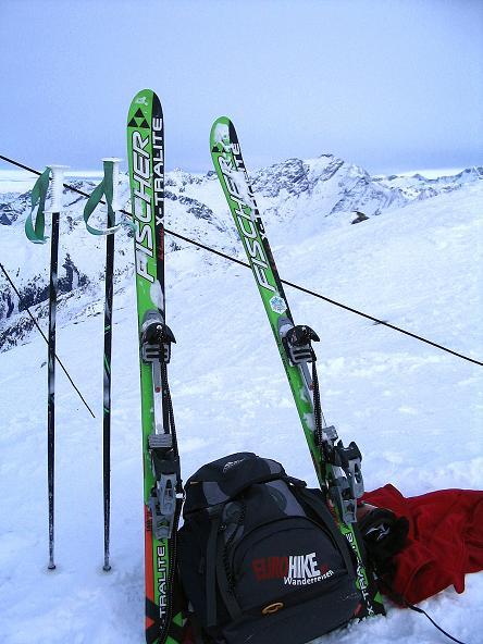 Foto: Andreas Koller / Ski Tour / Durch das Weißenbachtal auf den Kreuzkogel (2686m) / Gipfelrast am Kreuzkogel / 24.12.2007 05:02:22