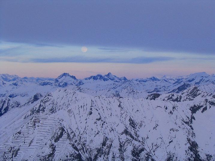 Foto: Andreas Koller / Ski Tour / Durch das Weißenbachtal auf den Kreuzkogel (2686m) / Blick nach O in die Radstädter Tauern / 24.12.2007 05:01:50