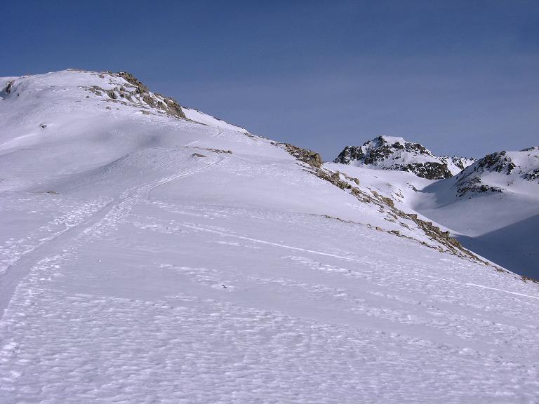 Foto: Andreas Koller / Ski Tour / Piz Surgonda (3197m) - Traumtour über dem Julierpass / Der S-Rücken mit dem Valdretta dal Güglia / 27.12.2007 21:04:43