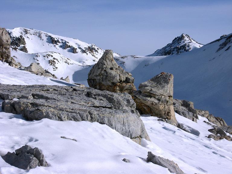 Foto: Andreas Koller / Ski Tour / Piz Surgonda (3197m) - Traumtour über dem Julierpass / Der Talschluss des Valdretta dal Güglia / 27.12.2007 21:04:03