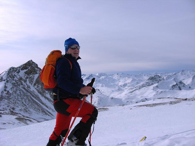 Foto: Andreas Koller / Ski Tour / Piz Surgonda (3197m) - Traumtour über dem Julierpass / Berg um Berg auch im SW über dem Julierpass / 27.12.2007 20:56:57