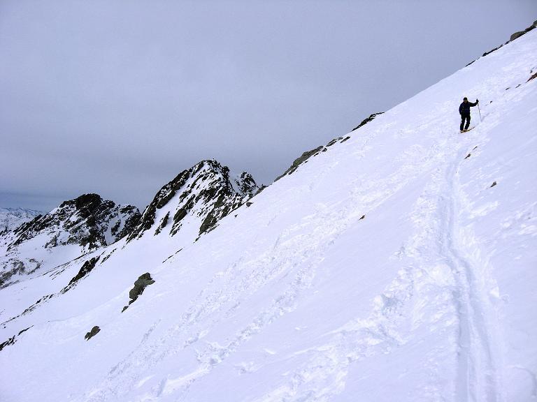 Foto: Andreas Koller / Ski Tour / Piz Surgonda (3197m) - Traumtour über dem Julierpass / In der steilen S-Flanke / 27.12.2007 20:54:22