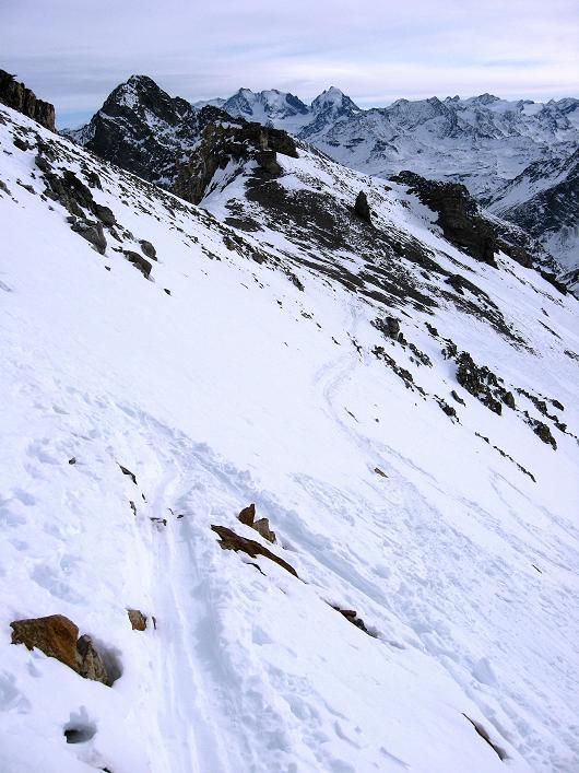 Foto: Andreas Koller / Ski Tour / Piz Surgonda (3197m) - Traumtour über dem Julierpass / Die letzten Meter ins Schartl / 27.12.2007 20:53:50