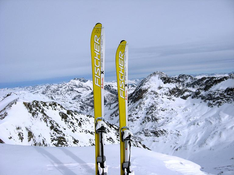 Foto: Andreas Koller / Ski Tour / Piz Surgonda (3197m) - Traumtour über dem Julierpass / Blick aus dem Schartl nach N / 27.12.2007 20:53:35