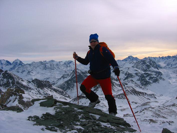 Foto: Andreas Koller / Ski Tour / Piz Surgonda (3197m) - Traumtour über dem Julierpass / Gipfel Piz Surgonda / 23.12.2008 15:30:46