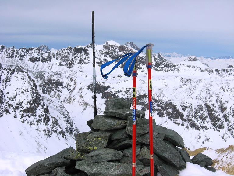 Foto: Andreas Koller / Ski Tour / Piz Surgonda (3197m) - Traumtour über dem Julierpass / Blick vom Gipfel nach N auf den Piz d'Err (3378 m) / 27.12.2007 20:49:10