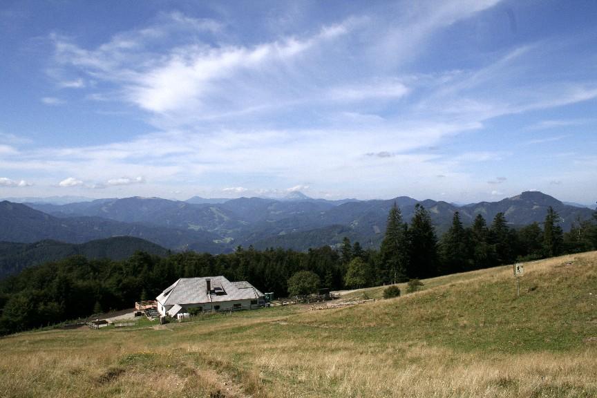 Foto: Climber69 / Wander Tour / Almwanderung auf der Klosteralm (1067m) und Mitterriegelsteig / Die Klosteralm gegen den Ötscher / 28.12.2007 21:26:24