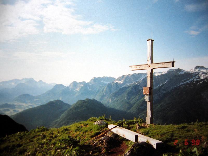 Foto: Climber69 / Wander Tour / Wanderung auf den Schwarzerberg / Blick vom Gipfelkreuz ins Gebirg / 29.12.2007 09:11:55