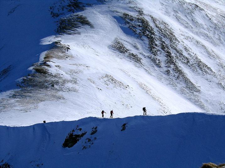 Foto: Andreas Koller / Ski Tour / Aus dem Scharnitzgraben auf den Großhansl (2315m) / Skitourengeher im Aufstieg am Grat zum Großhansl / 29.12.2007 16:49:47