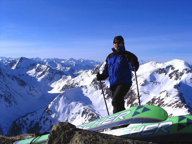 Foto: Andreas Koller / Ski Tour / Aus dem Scharnitzgraben auf den Großhansl (2315m) / Am Gipfel, im W die Schladminger Tauern / 29.12.2007 16:46:51